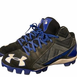 Under Armour Youth baseball shoes size 5.5 cleats